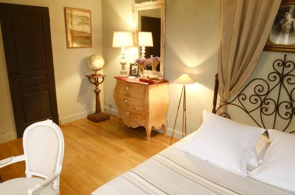 chambre insolite la rochelle la maison du palmier vieux port tarifs. Black Bedroom Furniture Sets. Home Design Ideas