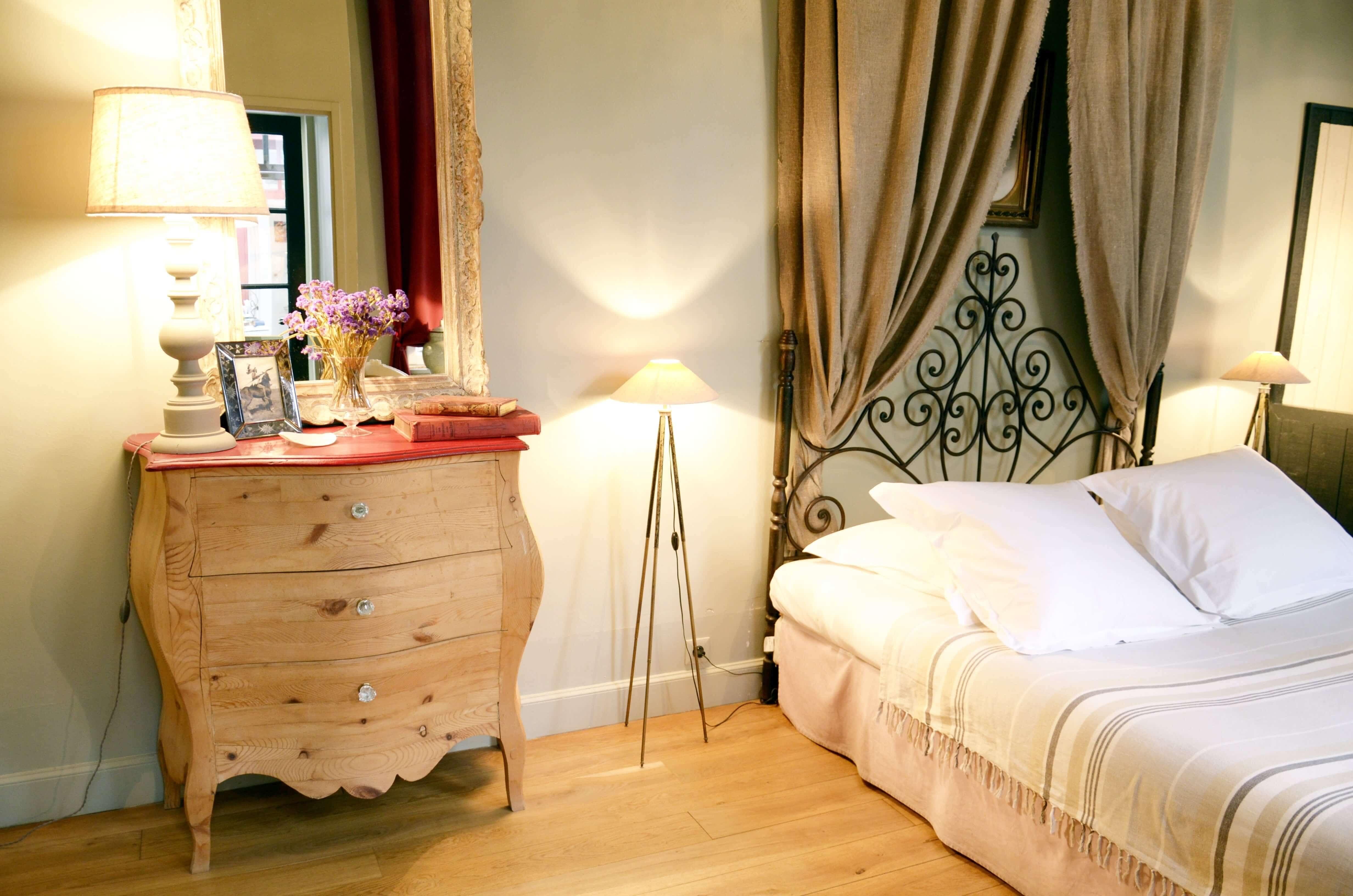 Chambres d 39 h tes la rochelle la maison du palmier centre - Chambre d hote la rochelle vieux port ...